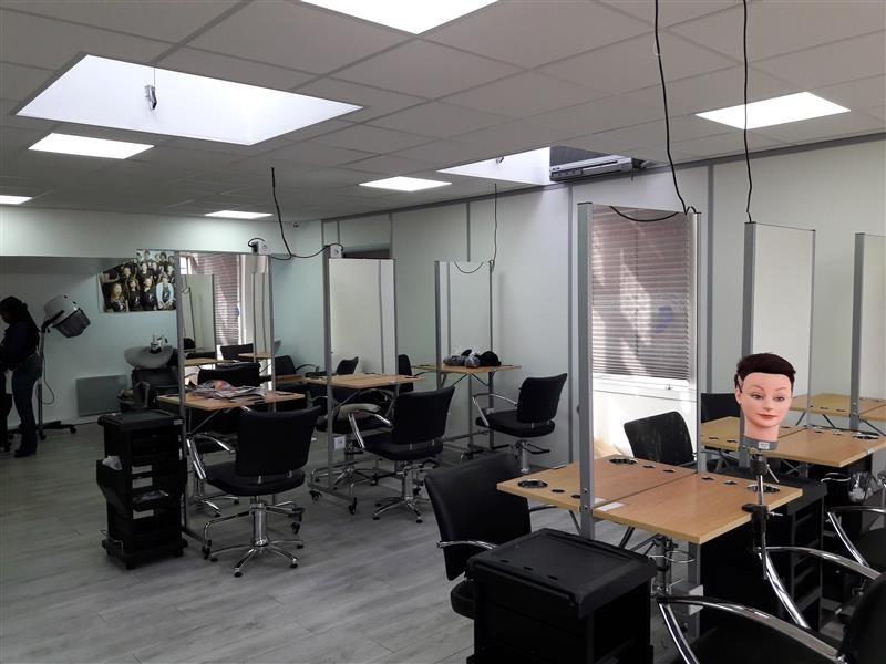 vente bureau noisy le grand 93160 bureau noisy le grand de 182 m ref wi m17248v. Black Bedroom Furniture Sets. Home Design Ideas
