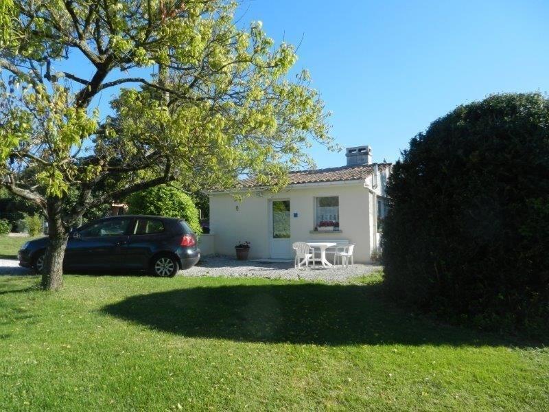Pour des vacances agréables en Ouest Charente, le gîte « Chez Martine » est aménagé de plain pied...