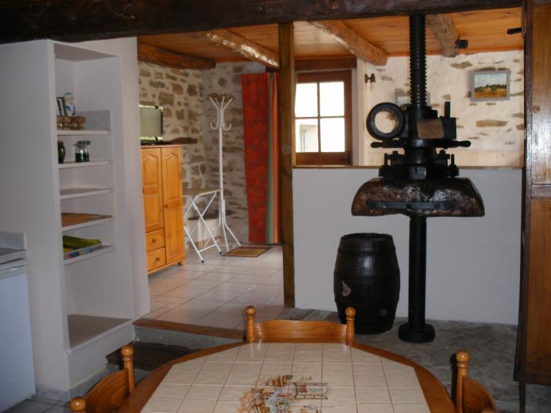 Location vacances Hières-sur-Amby -  Maison - 4 personnes - Barbecue - Photo N° 1