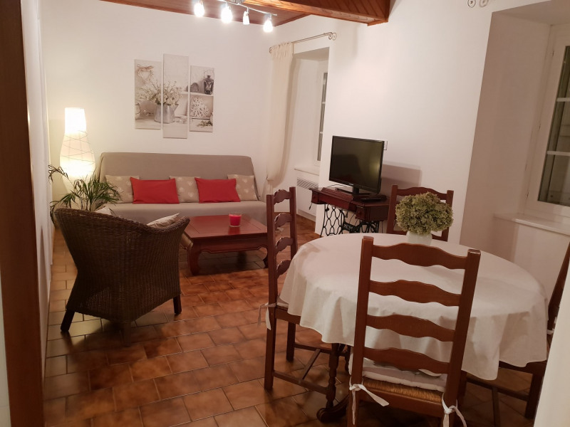Location vacances Salles -  Appartement - 4 personnes - Barbecue - Photo N° 1