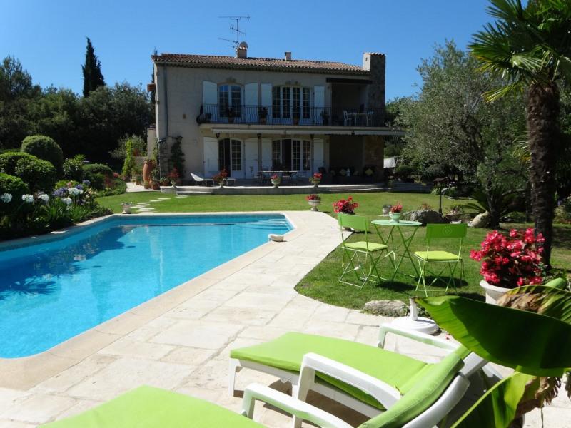 Charmant 3-pièces dans cadre enchanteur avec grand jardin paysagé, belle piscine et vues panorami...