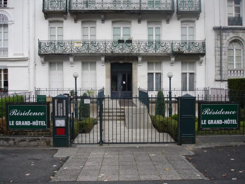 Location vacances Bagnères-de-Luchon -  Appartement - 6 personnes - Salon de jardin - Photo N° 1