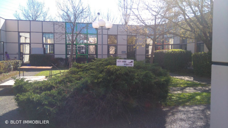location bureau lab ge 31670 bureau lab ge de 105 m. Black Bedroom Furniture Sets. Home Design Ideas