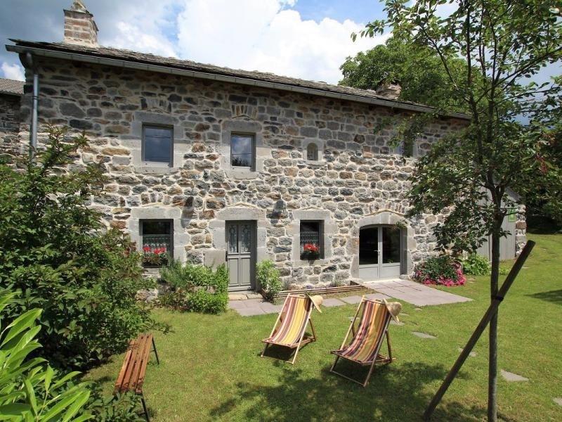 Location vacances Saint-Julien-Chapteuil -  Maison - 8 personnes - Barbecue - Photo N° 1