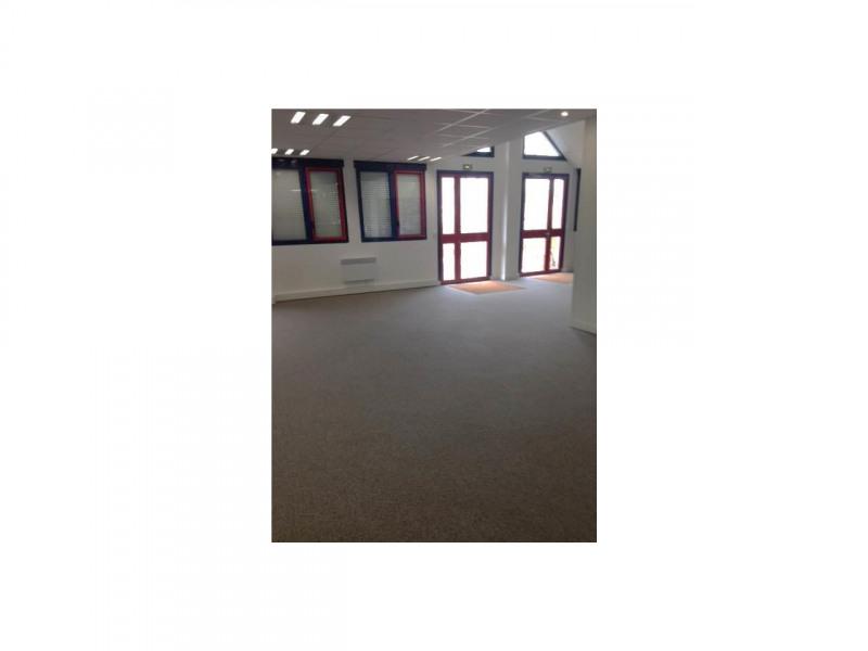 location bureau villeneuve d 39 ascq pr s flers bourg ch teau 59491 bureau villeneuve d 39 ascq. Black Bedroom Furniture Sets. Home Design Ideas