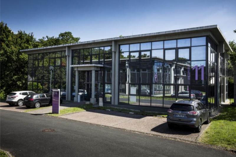 Location bureau nantes loire atlantique 44 674 m for Location garage nantes 44300