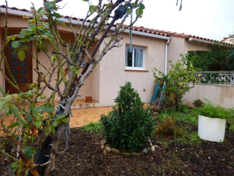 Coquette villa très bien équipée tout confort dans quartier résidentiel d'une surface de 75 m² habitable avec terrass...