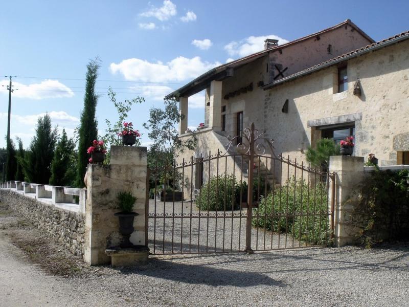 Location vacances Brantôme -  Maison - 8 personnes - Barbecue - Photo N° 1
