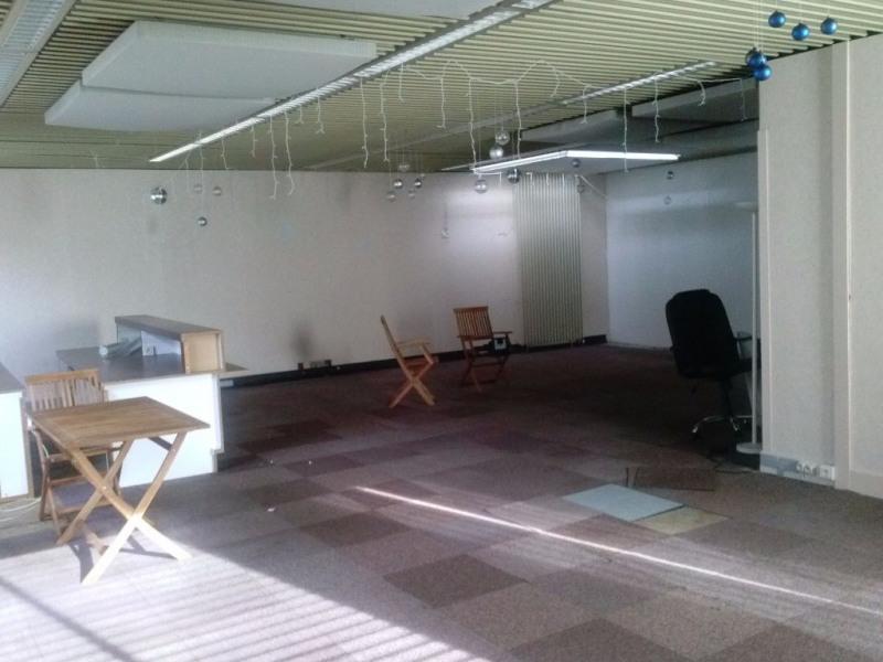 location bureau montlu on 03100 bureau montlu on de 90 m ref 1045. Black Bedroom Furniture Sets. Home Design Ideas