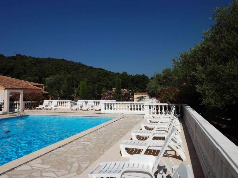 Location vacances Grimaud -  Appartement - 5 personnes - Salon de jardin - Photo N° 1