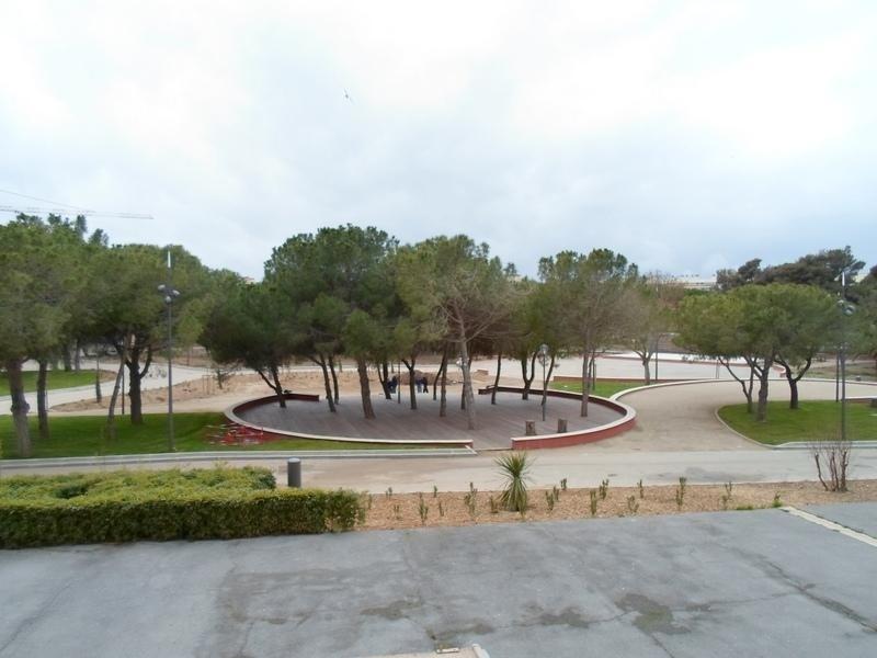 Joli F1 situé sur le Parc Charles de Gaulle