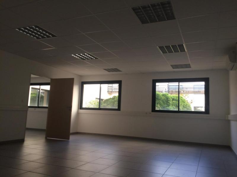 location bureau olivet sud est 45160 bureau olivet sud est de 772 m ref 14250130l. Black Bedroom Furniture Sets. Home Design Ideas