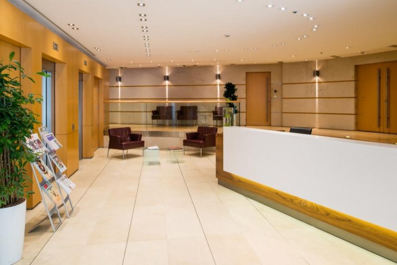 location coworking paris 8 me hoche friedland 75008 espace de coworking louer paris 8 me. Black Bedroom Furniture Sets. Home Design Ideas