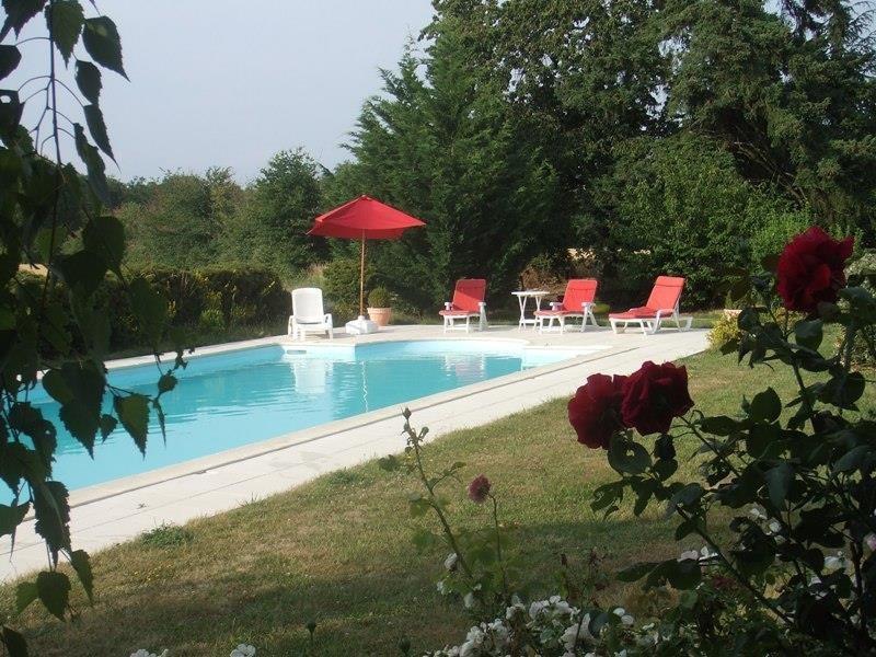 Location vacances Vou -  Chambre d'hôtes - 10 personnes - Barbecue - Photo N° 1
