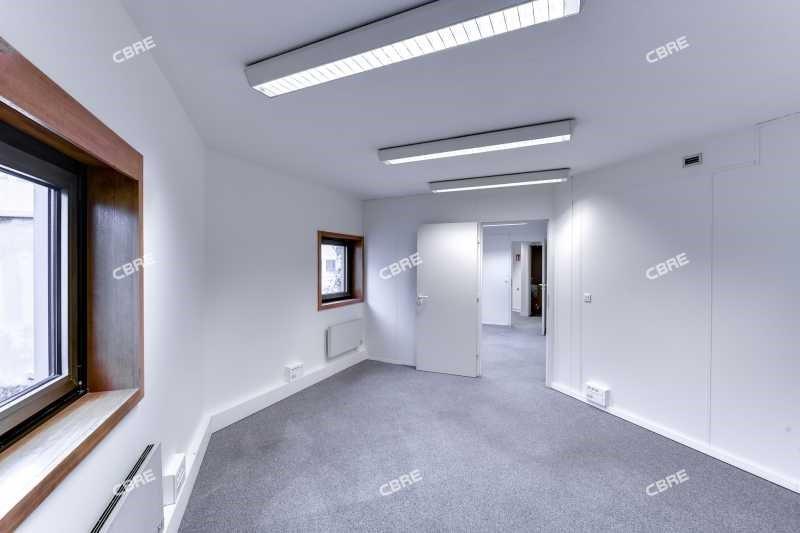 location bureau le kremlin bic tre val de marne 94 1742 m r f rence n 60929. Black Bedroom Furniture Sets. Home Design Ideas