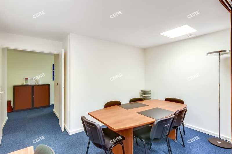 vente bureau saint cloud pasteur 92210 bureau saint cloud pasteur de 126 m ref 139733. Black Bedroom Furniture Sets. Home Design Ideas