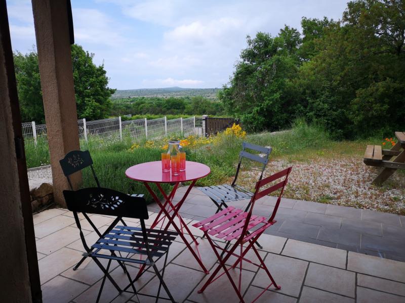 Sur la terrasse très agréable vue pein sud