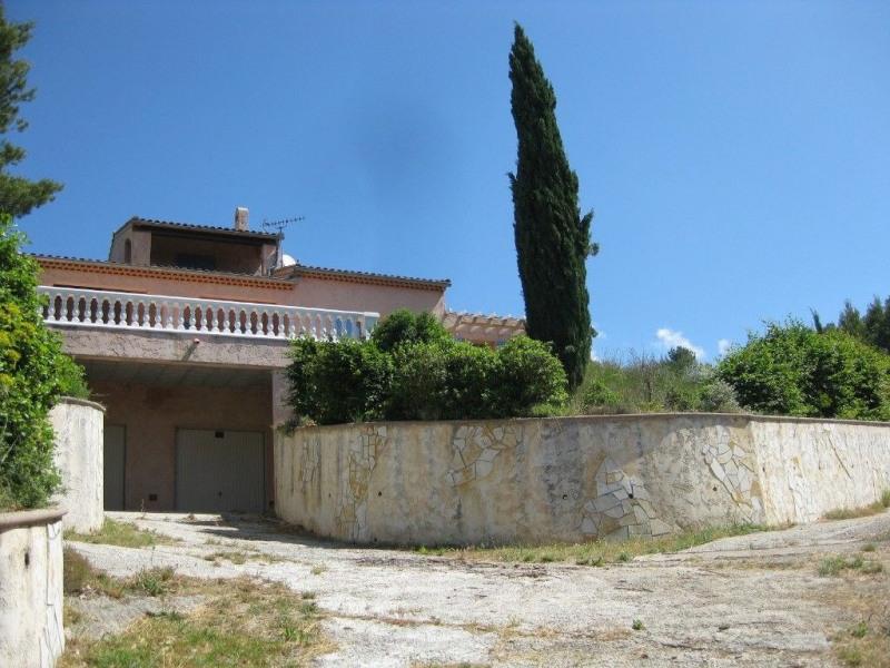 Charmente villa avec grande terrasse et vue magnifique