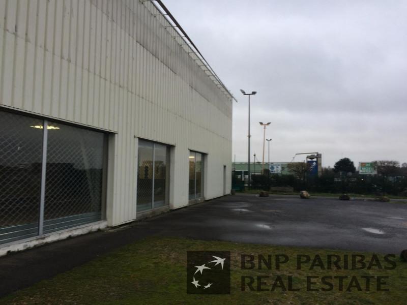 Location Local d'activités / Entrepôt Servon