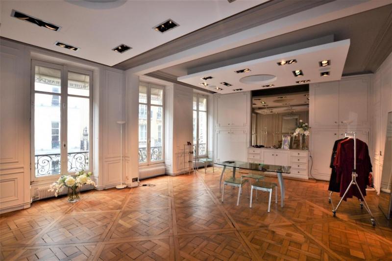 location bureau paris 8 me 75008 bureau paris 8 me de 158 m ref 590500. Black Bedroom Furniture Sets. Home Design Ideas