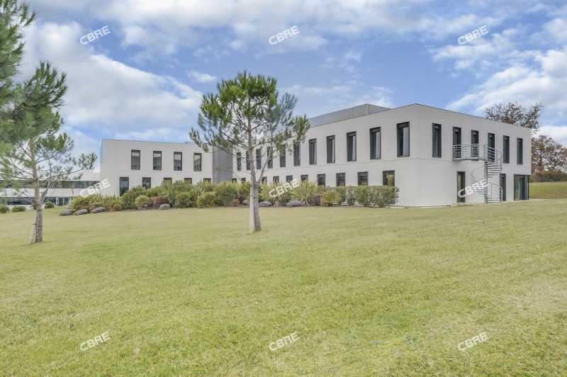 location bureau lab ge 31670 bureau lab ge de 1083 m ref 136129. Black Bedroom Furniture Sets. Home Design Ideas