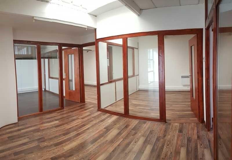 vente bureau montrouge hauts de seine 92 210 m. Black Bedroom Furniture Sets. Home Design Ideas