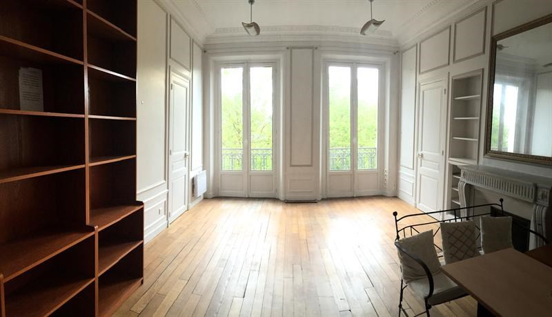 location bureau versailles 78000 bureau versailles de 64 m ref vers109. Black Bedroom Furniture Sets. Home Design Ideas
