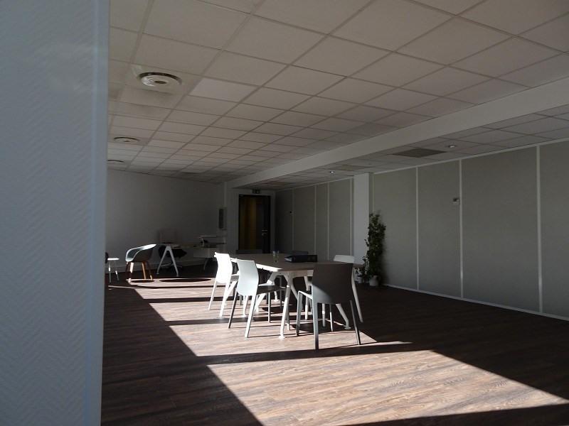 location bureau lab ge 31670 bureau lab ge de 79 61 m ref 310123073. Black Bedroom Furniture Sets. Home Design Ideas