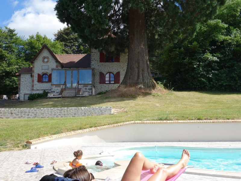 Un bon moment autour de la piscine...