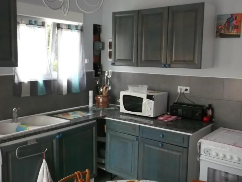 cuisine avec lave linge,lave vaisselle,micro onde,