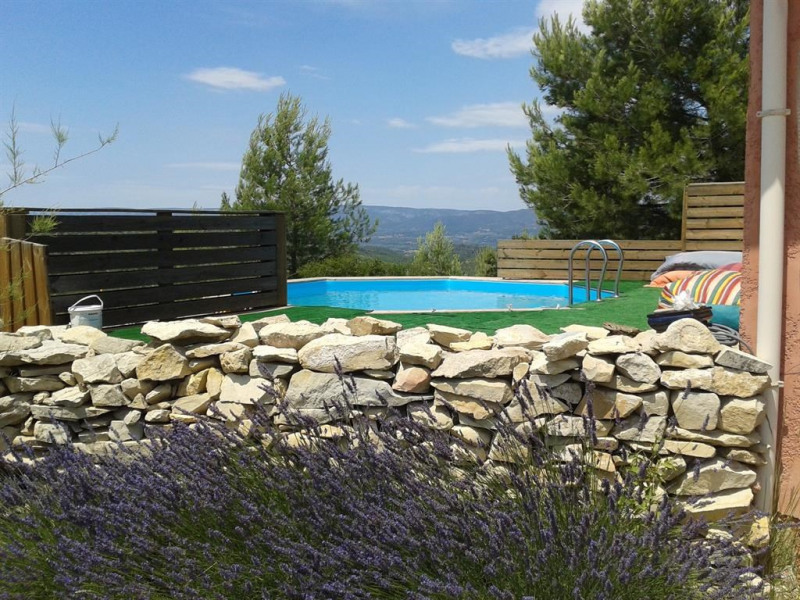 swimming pool and Lubéron's vue.ouest side