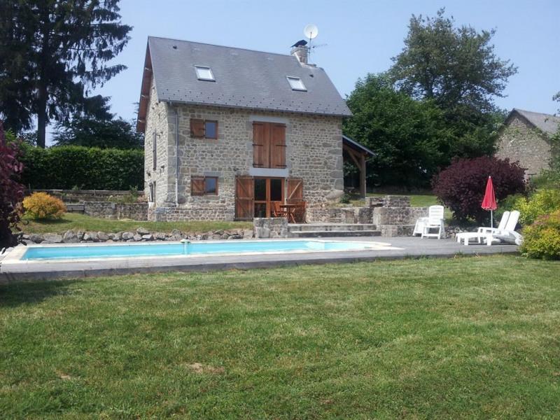 Location vacances Flayat -  Maison - 6 personnes - Barbecue - Photo N° 1