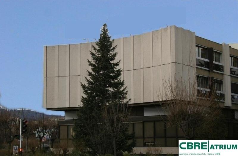location bureau clermont ferrand 63000 bureau clermont ferrand de 150 m ref 63 2688. Black Bedroom Furniture Sets. Home Design Ideas