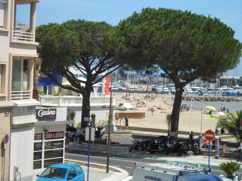 Grand T3 meublé  - Ste-Maxime - Plage - Parking