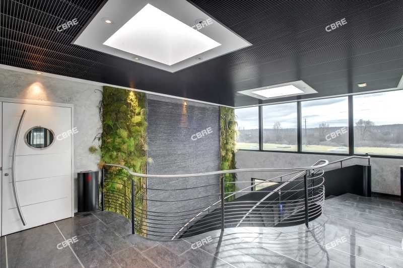 location bureau lab ge 31670 bureau lab ge de 1268 m ref 58861. Black Bedroom Furniture Sets. Home Design Ideas