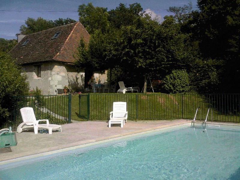 Maison familiale piscine privée situé à Eyliac - Eyliac