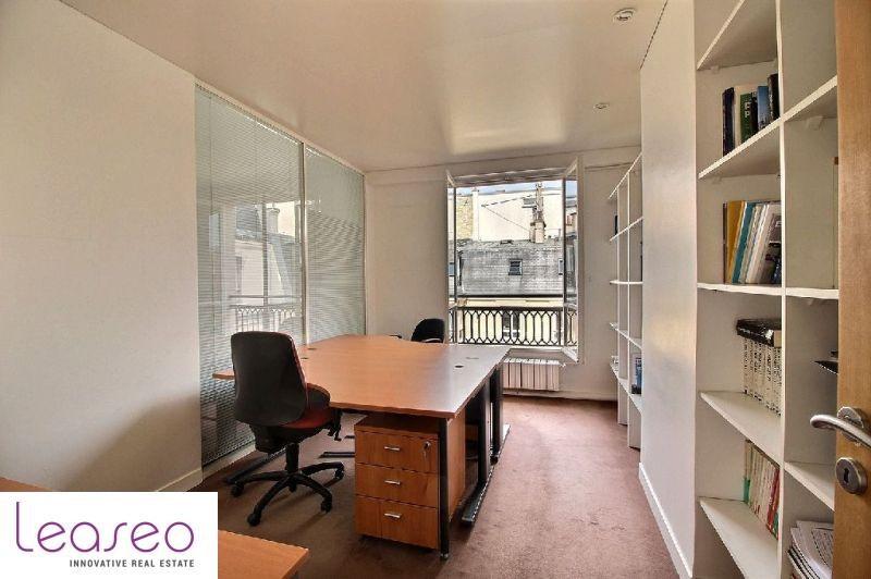 location bureau paris 8 me 75008 bureau paris 8 me de 129 m ref 3368sl. Black Bedroom Furniture Sets. Home Design Ideas