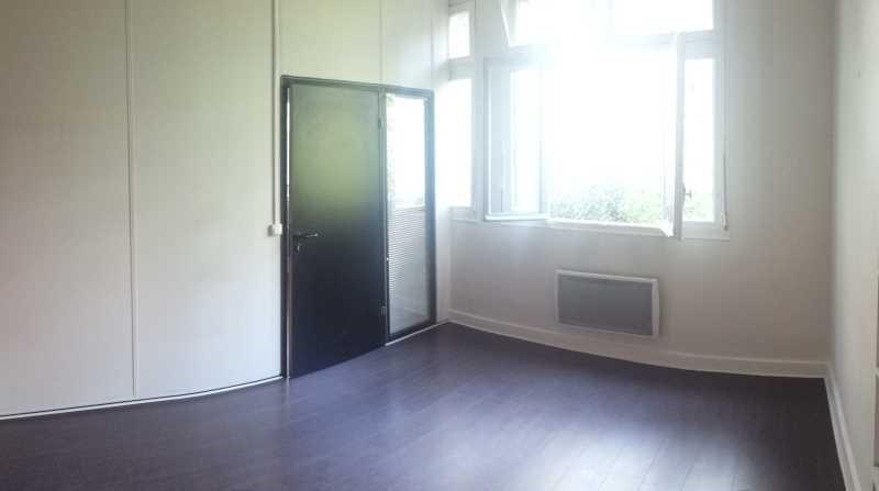 location bureau clamart la gare 92140 bureau clamart la gare de 68 m ref 622973w. Black Bedroom Furniture Sets. Home Design Ideas