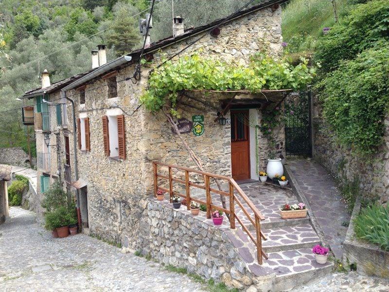 Location vacances Saorge -  Gite - 4 personnes - Salon de jardin - Photo N° 1