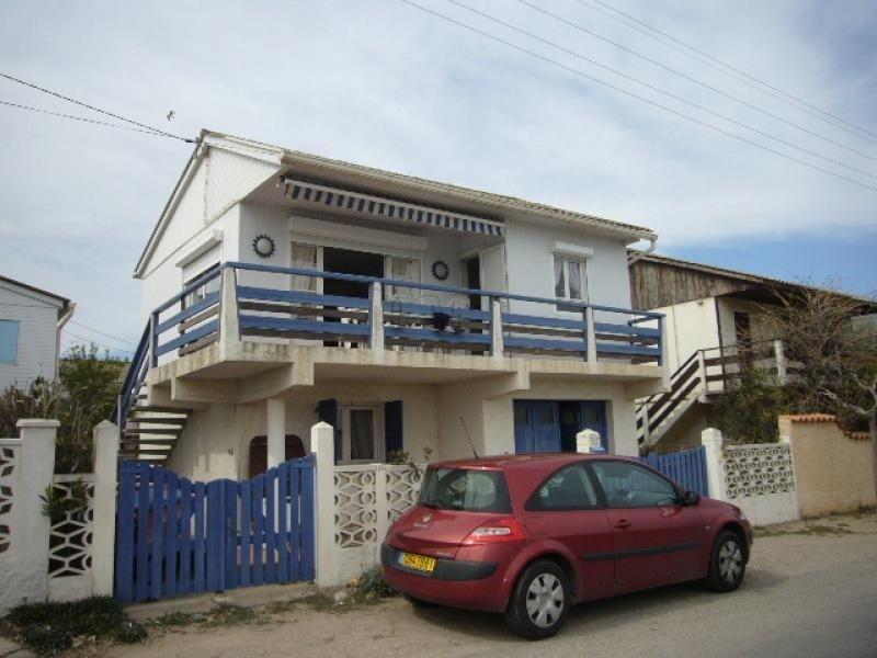 Location vacances Gruissan -  Maison - 9 personnes - Télévision - Photo N° 1