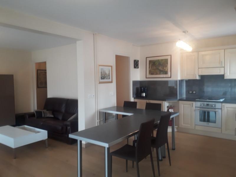 Appartement dans résidence en centre ville d 'Aix les Bains.