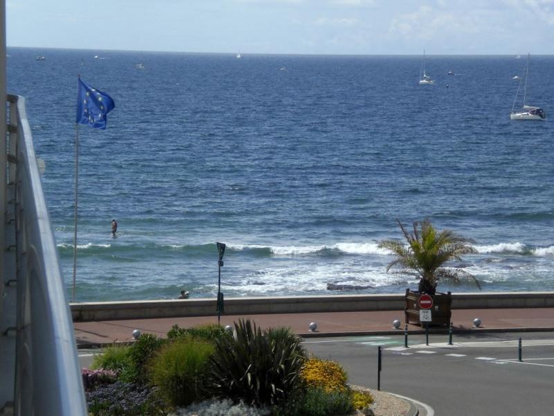 Bel Appartement très bien situé avec terrasse vue mer à 50m de la plage des Sables d'Olonne 2/4 Pers.