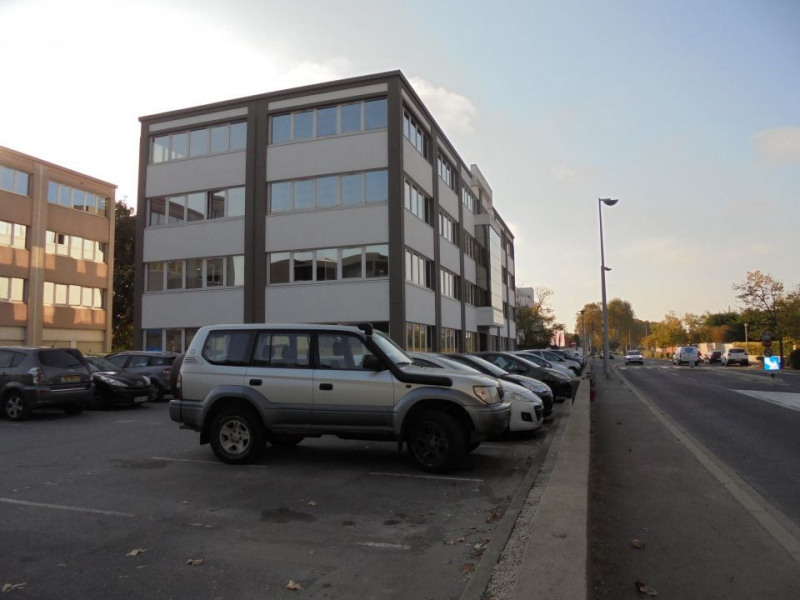Location Bureau Lattes