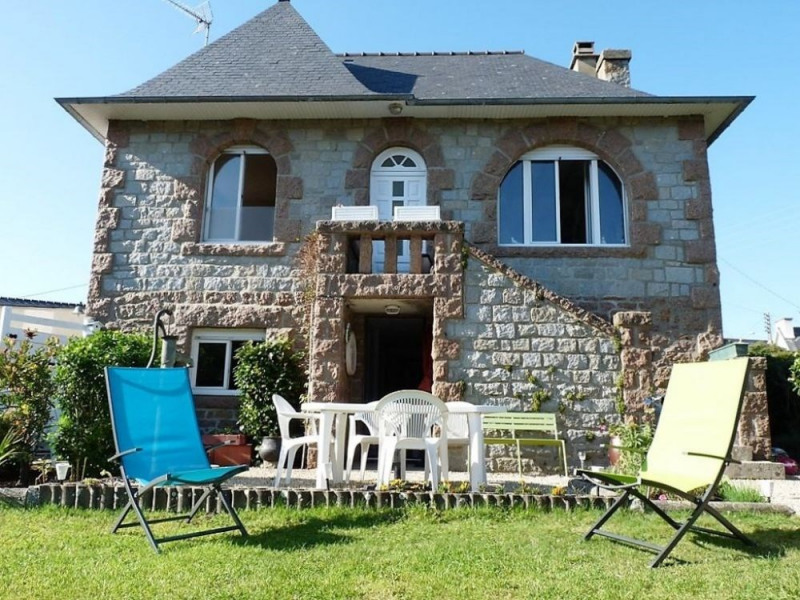 N°339 - Jolie maison de pays en pierre avec jardin.