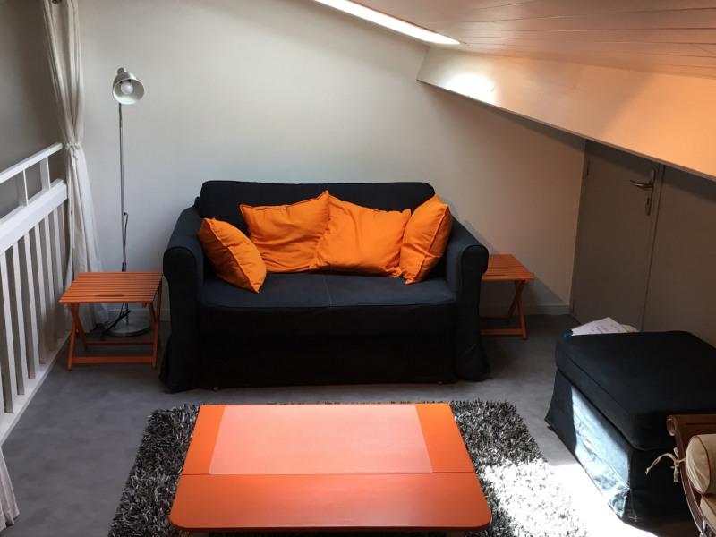Mezzanine avec salle de jeu attenante