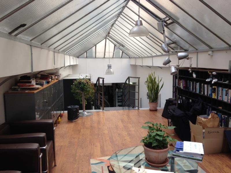 vente local d 39 activit s entrep t paris 2 me 75002 local d 39 activit s entrep t paris. Black Bedroom Furniture Sets. Home Design Ideas
