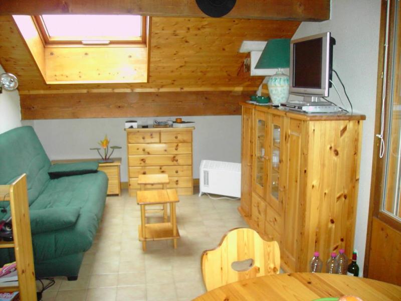 loue appartement 3 pièces 38 m2 au 5e étage