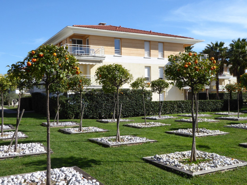 Location vacances Antibes -  Appartement - 4 personnes - Chaise longue - Photo N° 1