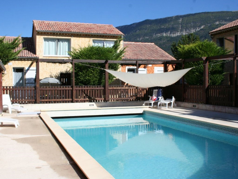 Pavillon de campagne pour 6 pers. dans résidence touristique avec piscine chauffée près des Gorges du Verdon