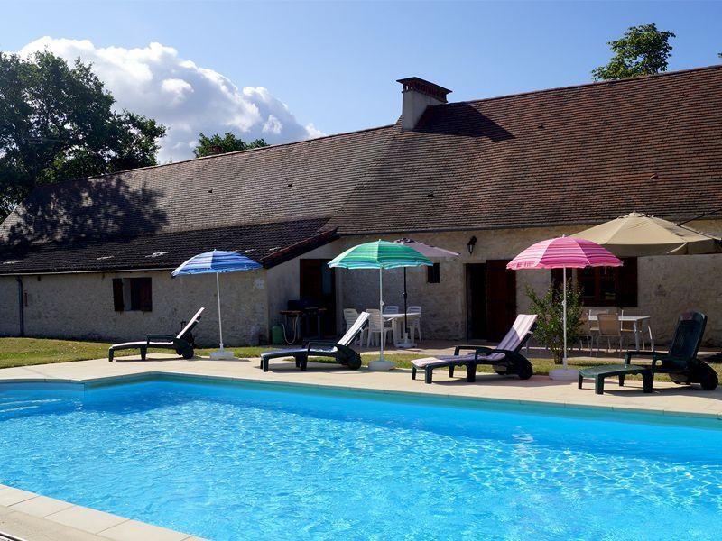 Location vacances Monsaguel -  Maison - 8 personnes - Barbecue - Photo N° 1